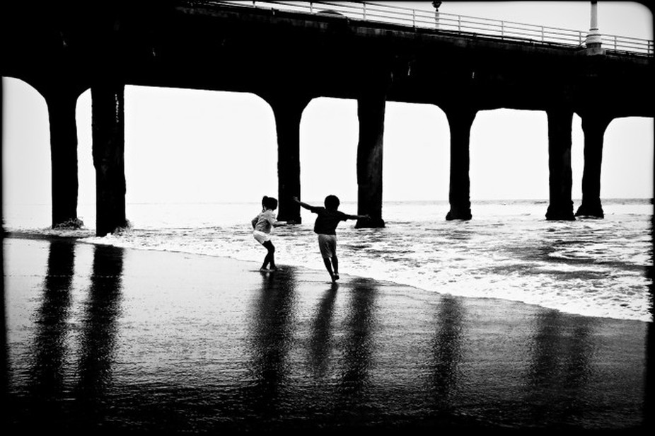 Manhattan Beach belongs to Black & White