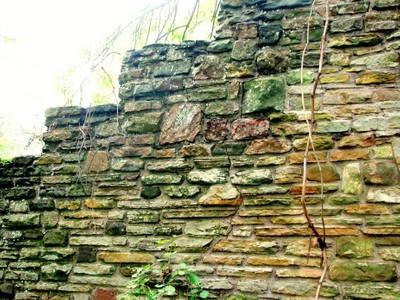 stand rock wall