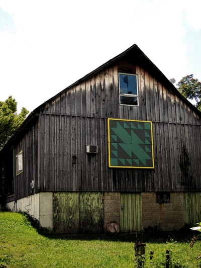 Old Indian Trail Block Quilt Barn