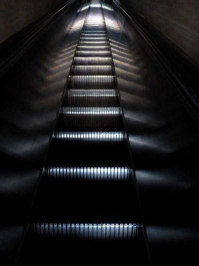 P1050232 escalator stairway