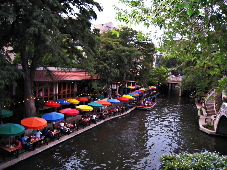 The River Walk belongs to Texas