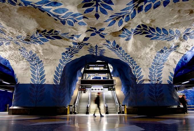 Art Goes Underground by stuartrobertsonreynolds - Public Transport Hubs Photo Contest