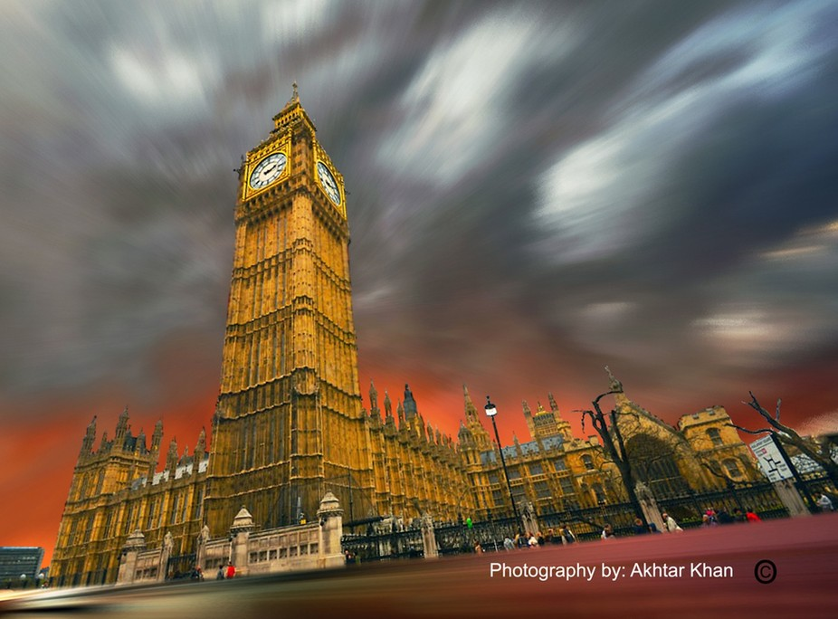 A different view of Parliament House & Big Ben - London