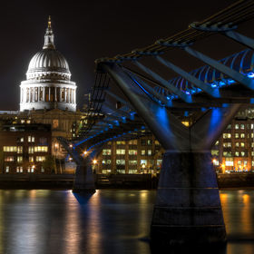 View of St'Pauls and the millennium bridge.