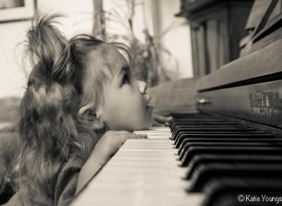 She loves the piano:)