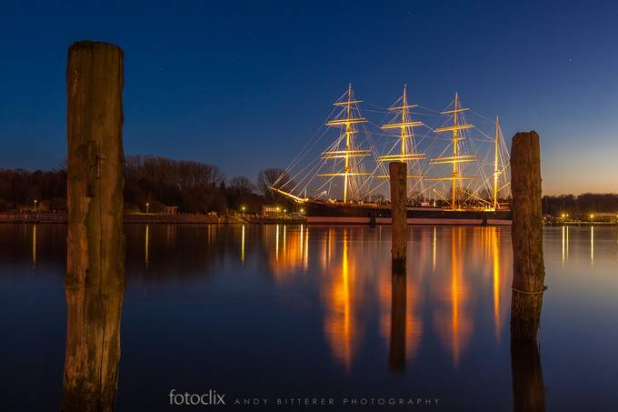 Golden Sailor by bitterer - Our World At Night Photo Contest