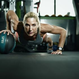 Follow me on Facebook: http://facebook.com/frameme  Fitness trainer Jennifer Christoff of Jennfit