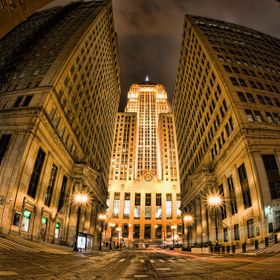 Chicago Board of Trade flanked by the LaSalle Bank and Federal Reserve buildings.