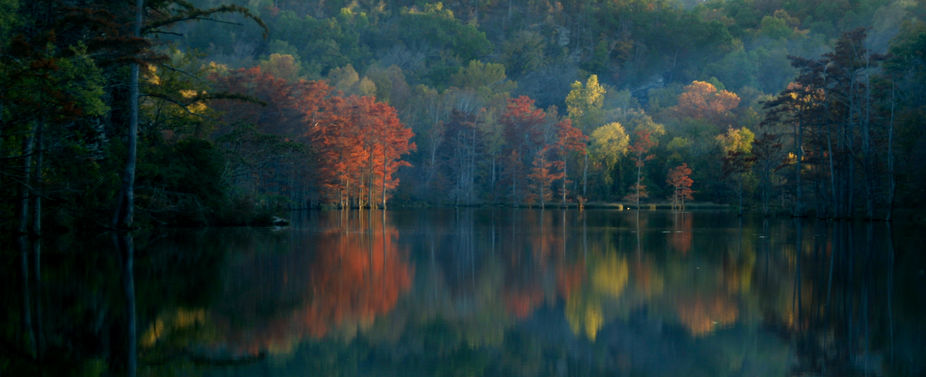 Fall color, reflections, Beavers Bend State Park, Broken Bow, Oklahoma