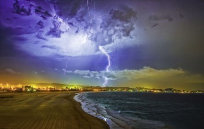 The pyrotechnic display as put on by Mother Nature over Kirra Beach Queensland Australia by Theo-Herbots-Fotograaf