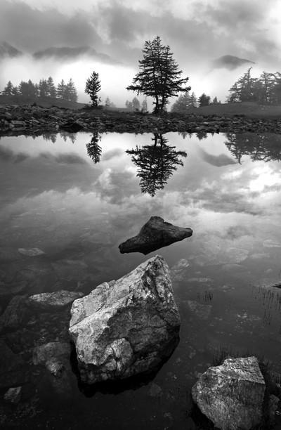pietre nel lago
