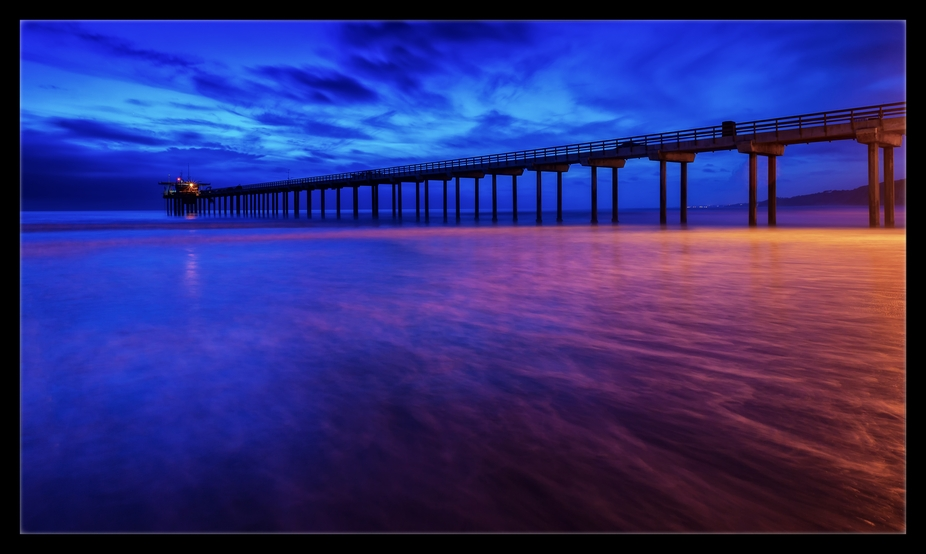 Minutes before dark at Scripps Pier.