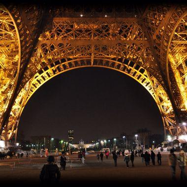 Base Eiffel