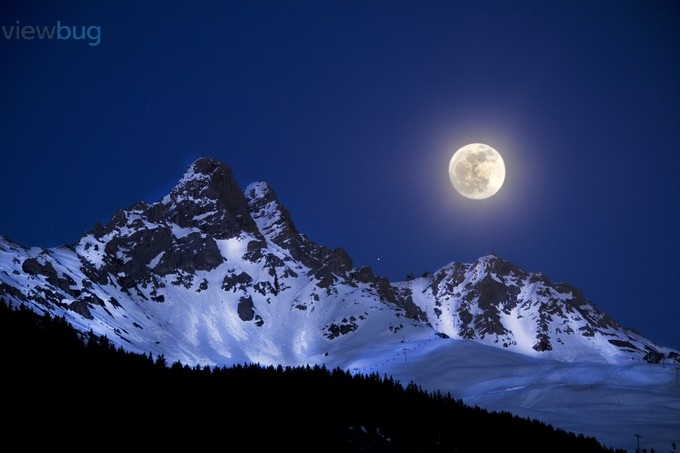 Full Moon & Mont Saulire by Belly007 - Winter Landscapes Photo Contest