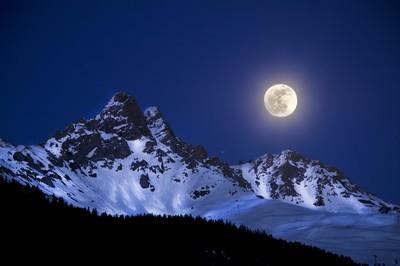 Full Moon & Mont Saulire