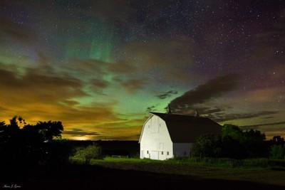 Barn Aurora