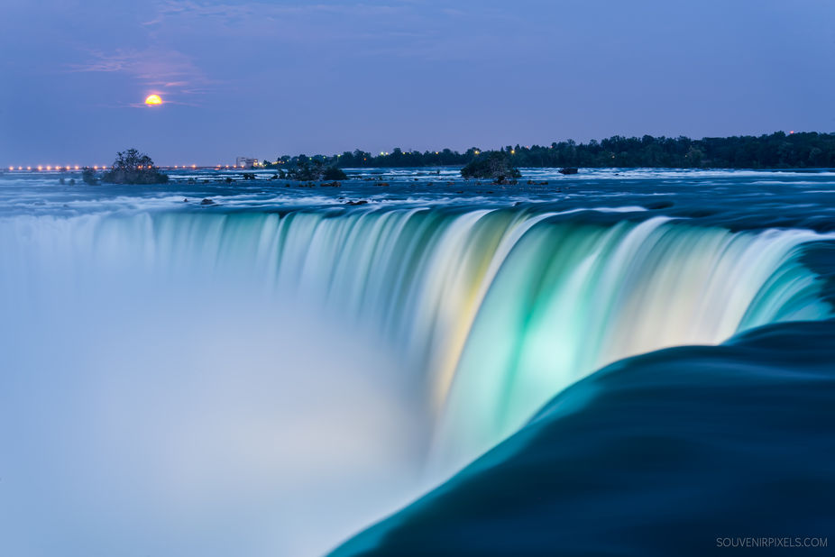 When I was at Niagara falls I did not realize it was a super moon but it was a bit bigger and mor...