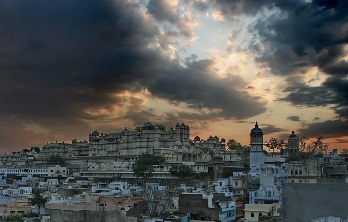 Udaipur before the rain