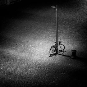 A lonely bicycle in Vienna.