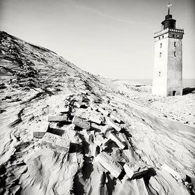 An abandoned lighthouse at the Danish west coast.