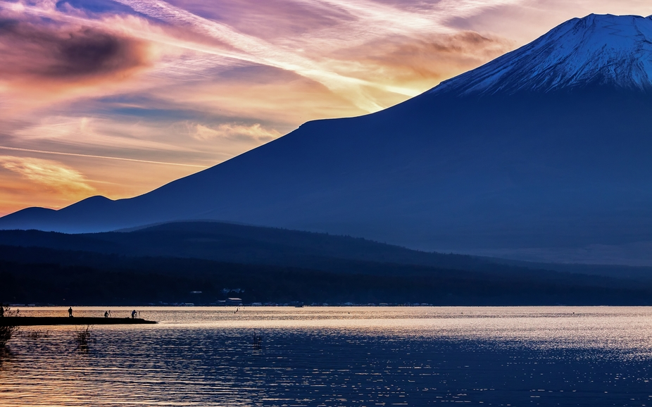 beautiful view of Fuji-san Lake Yamanaka
