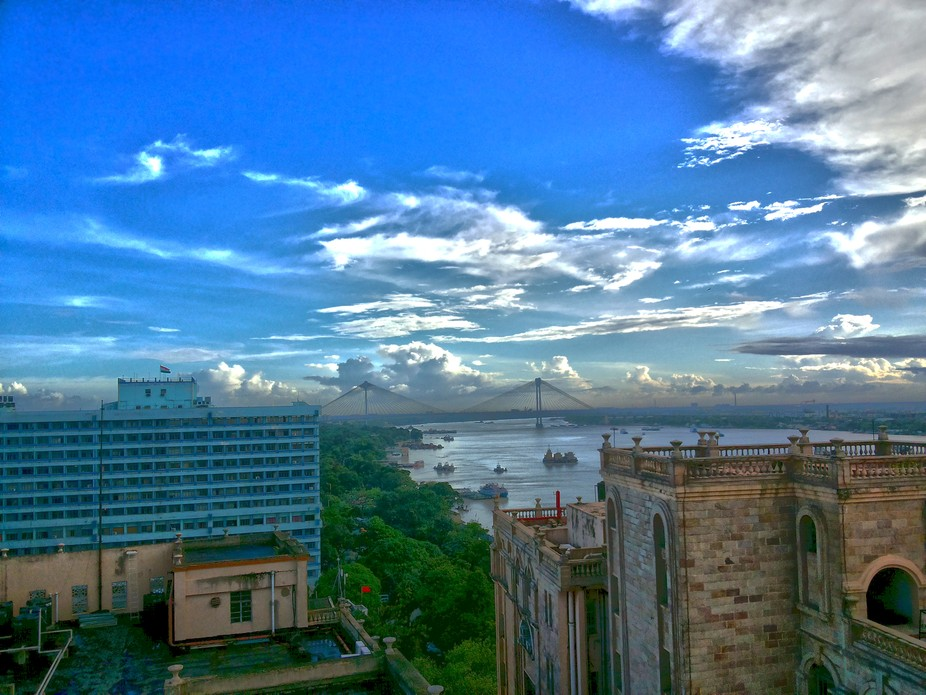 A great afternoon with clear sky at Kolkata, India