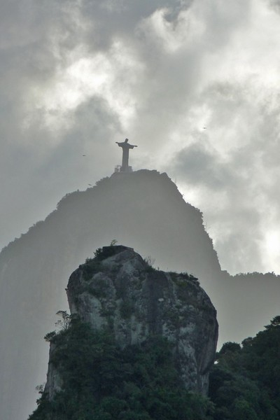 RIO'S STATUE OF CHRIST AT SUNSET