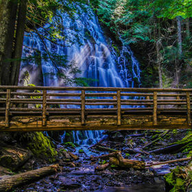 one of the most beautiful waterfalls in the Mount hood area.