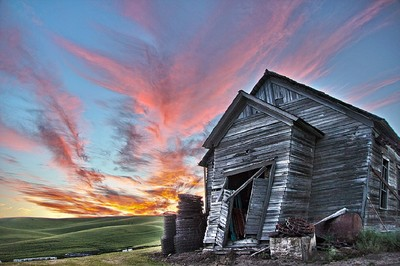 Sunset Barn on the Palouse