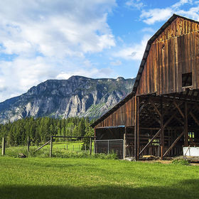 This barn is located in Northern Idaho, about 1 mile south of the Canadian border crossing into Creston, British Columbia.