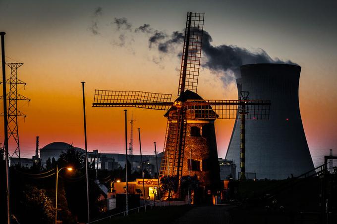 080830-155 Antwerpen Doel by willemkuijpers - 200 Windmills Photo Contest