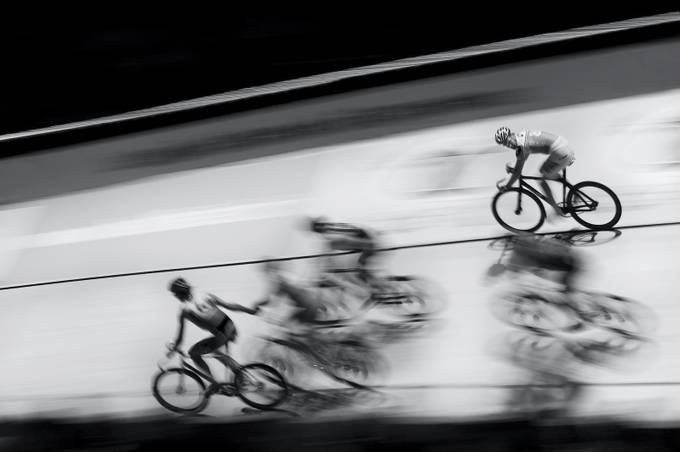 The race by chris-herzog - Showing Movement Photo Contest