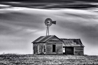 Old House on The Prairie