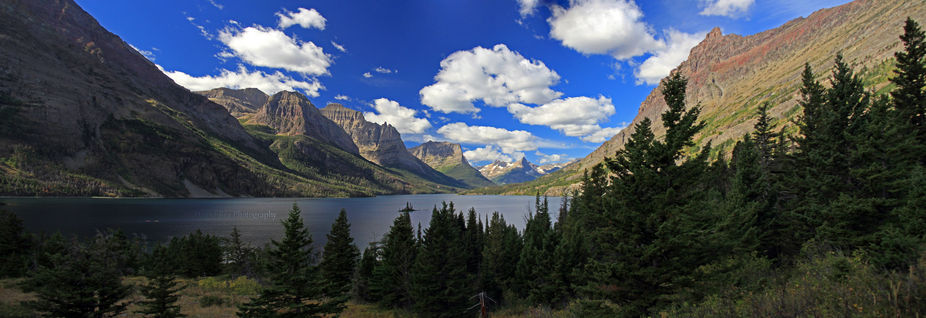 A panoramic of Glacier National Park\'s Saint Mary Lake