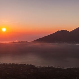 We awoke at 1:30am to hike up the active volcano, Mt Batur for some stunning sunrise shots. 