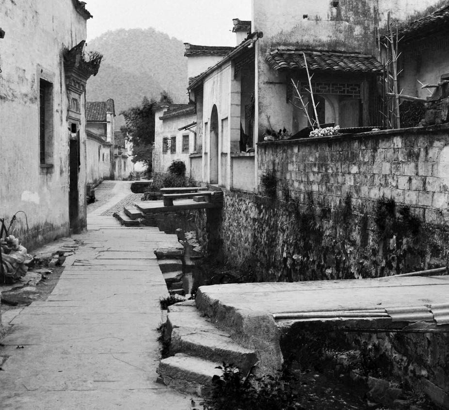 Picture taken in Northern China. A beautiful old town, left by its inhabitants. The urbanization ...