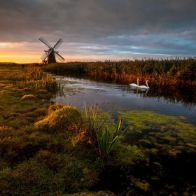 Herringfleet Sunrise - Lee Acaster