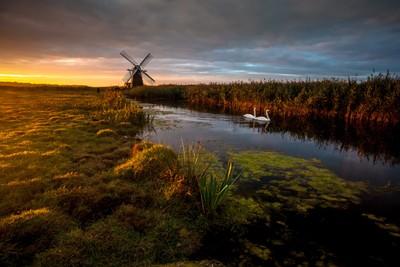 Herringfleet Sunrise - Lee Acaster
