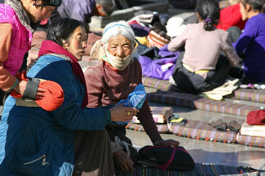 Pilgrims @ Jokung Temple, Lhasa Tibet