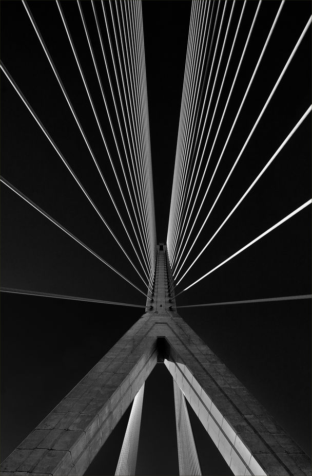 IRON MAIDEN by LLOYDWRIGHT - Composing with Diagonals Photo Contest