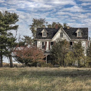 Beyond Repair - broken dreams, abandoned houses