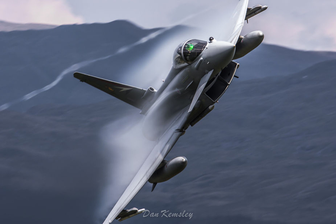 Steaming! by dankemsley - Aircraft Photo Contest