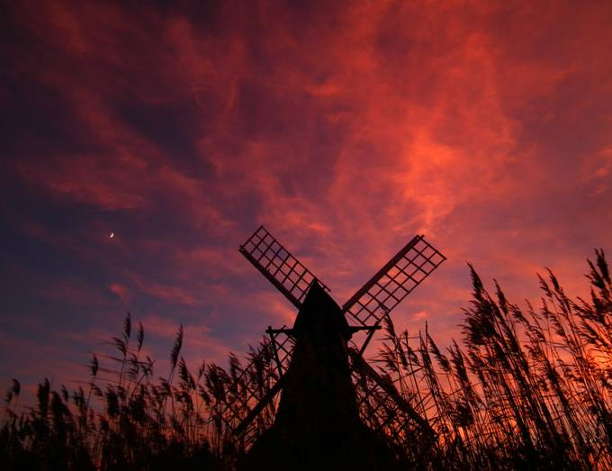 windmill sunset by scruffyherbert - 200 Windmills Photo Contest