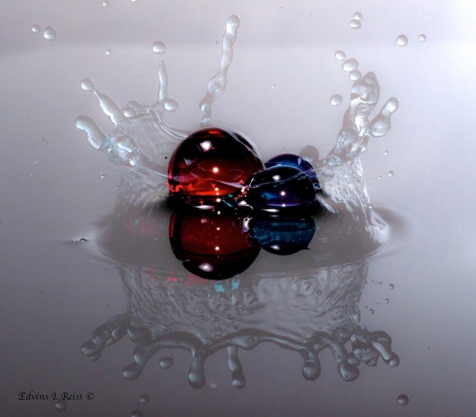 Single exposure ~ no Photoshop  Water drop into Aqua Gems