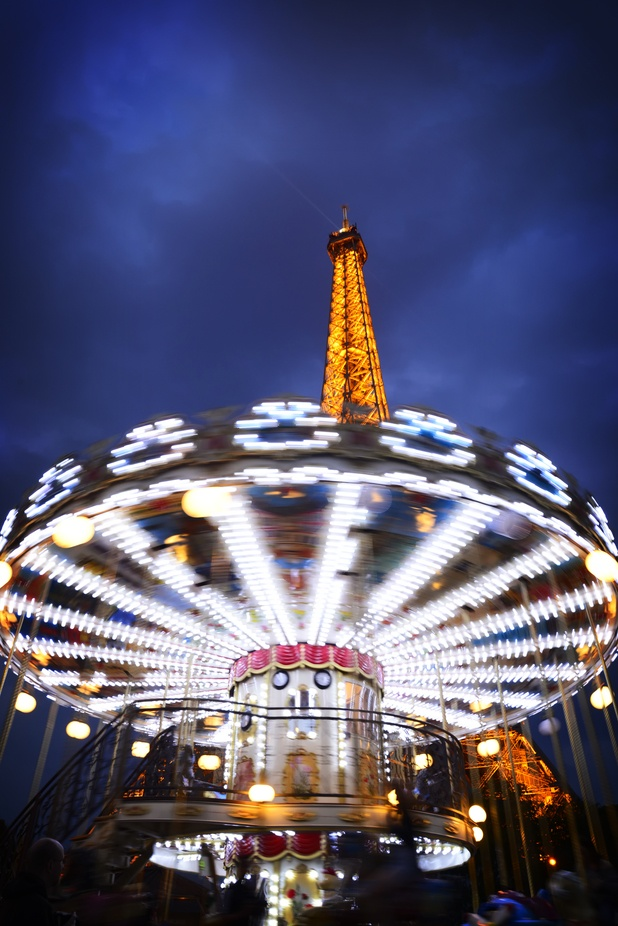 Eiffel Spin by LAMONTEMA - Paris Photo Contest