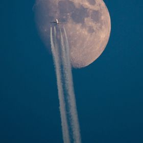 Caught this plane moving in front of the moon just before dusk this evening, always a great shot to capture if you have the opportunity!