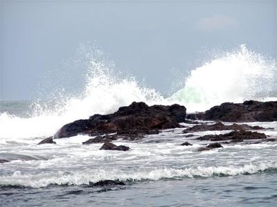 Expressive Pacific Ocean