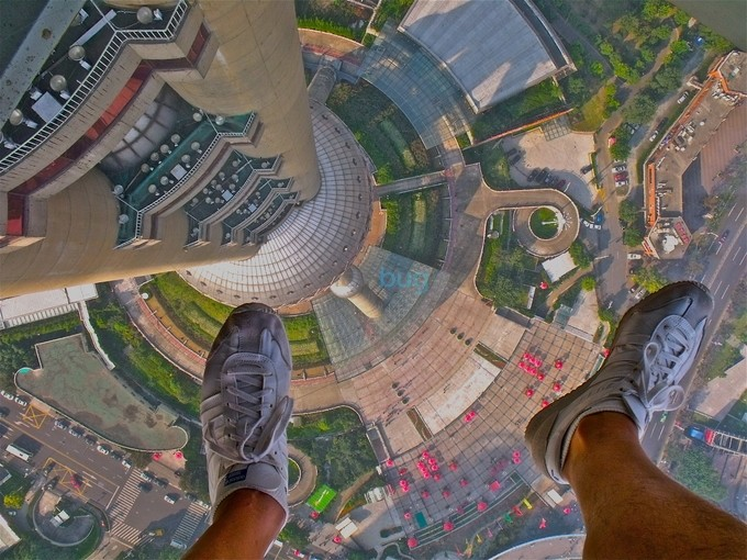 Fly on, 500.mt up! Shanghai, China, Oriental Pearl view by felicebellini - Below My Knees Photo Contest