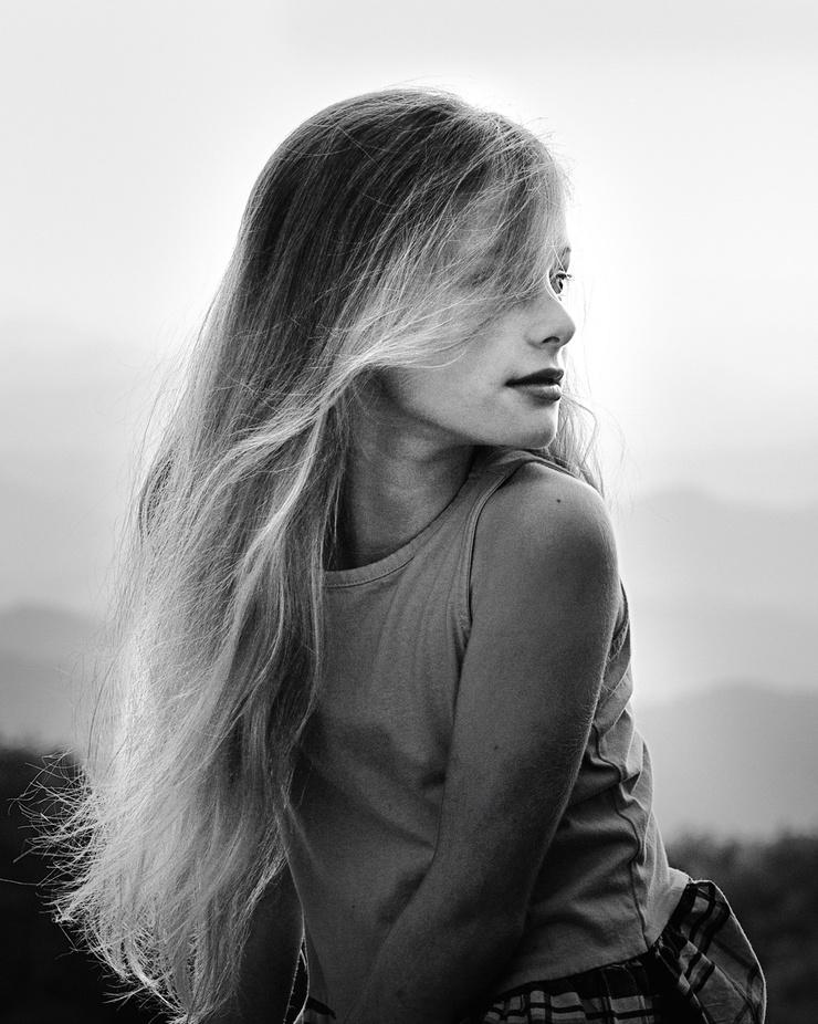 Mia by jessicaeik - Long Hair Photo Contest