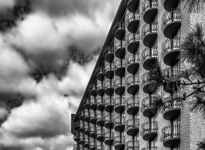 01,SE084,DB,Balconies by Duglas50 - Clever Angles Photo Contest